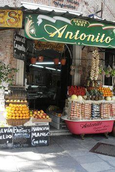 Una tienda de fruta en Buenos Aires.