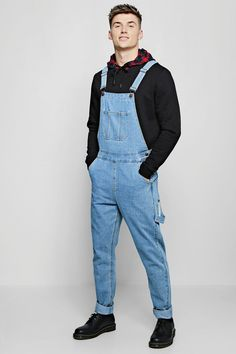 Look Rock, Jean Outfits, Casual Outfits, Denim Dungarees, Jeans Slim, Korean Street Fashion, Well Dressed, Vintage Outfits, Desert Boots