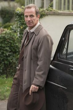 Grantchester (2014) The marvelous Robson Green
