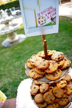 children's book party decorations (without the twigs...just a cute simple idea!)