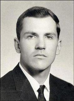 Virtual Vietnam Veterans Wall of Faces | MICHAEL W ANDREWS | MARINE CORPS