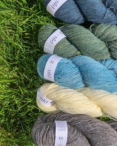 Garn fra G - uld i blå. grønn, hvit og gråtoner Leg Warmers, Instagram, Threading, Leg Warmers Outfit