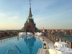 On 17th September discover the most exclusive dinners in Venice at the Skyline Rooftop Bar, the ideal place to indulge the delights of the Executive Chef Ivan Catenacci.