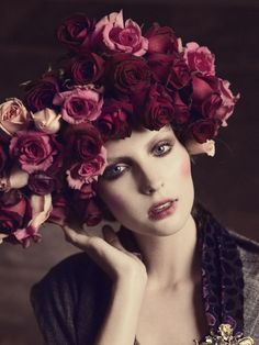 Chicletes com Guarana Pre-Fall 2011 Campaign features floral headgear Corona Floral, Rose Hat, Foto Fashion, Fru Fru, Coming Up Roses, Floral Fashion, Purple Fashion, Headgear, Beautiful Roses