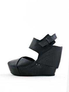 cinzia araia wedgesole sandals.