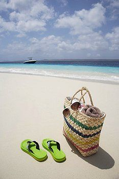 Flip flops and sand - lovin it I Love The Beach, Summer Of Love, Summer Fun, Beach Bum, Summer Beach, Flip Flop Sandals, Flip Flops, Beach Sandals, My Happy Place
