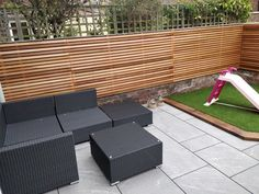 Transform your home with our range of contemporary slatted screen fencing and slats. The fence panels are available in Cedar, Larch and Tanalised. Back Garden Design, Modern Garden Design, Backyard Garden Design, Fence Design, Patio Design, Modern Design, New Patio Ideas, Garden Ideas, Garden Inspiration