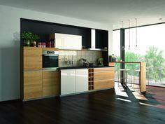 Wooden fitted kitchen Linee Collection by TEAM 7 Natürlich Wohnen Small Modern Kitchens, Solid Wood Kitchens, Wooden Kitchen, Luxury Kitchens, Team 7, Kitchen Cabinet Design, Kitchen Cabinets, Cuisines Design, Küchen Design