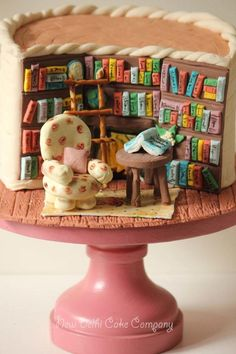 Inspired by the very talented Kathy Knaus, made a library cake for my daughter's friend