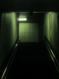 The eerie green hallway Dark Green Aesthetic, Night Aesthetic, Urban Aesthetic, Aesthetic Colors, Aesthetic Vintage, Ex Machina, Dark Places, Jolie Photo, Night Photography