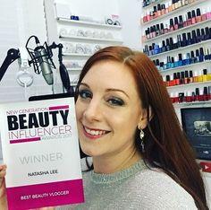 Best Beauty Vlogger is. Lee Nails, Generation Beauty, Awards 2017, Sky, Youtube, Heaven, Heavens, Youtubers