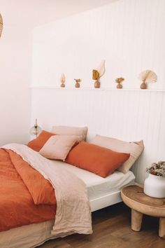 Design Apartment, Apartment Bedroom Decor, Home Bedroom, Bedroom Furniture, Home Furniture, Bedrooms, Rustic Furniture, Furniture Design, Antique Furniture