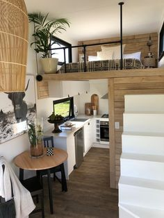 This is Rubia tiny house on wheels from Little Byron out of Byron Bay, Australia. It& long, wide, and high from the ground, which is approximately an tiny house in feet. Tiny House Loft, Best Tiny House, Modern Tiny House, Tiny House Plans, Tiny House Design, Tiny House On Wheels, Tiny House Luxury, Tiny House 2 Bedroom, Tiny House Hotel