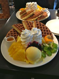 Find images and videos about food, waffles and pancake on We Heart It - the app to get lost in what you love. Think Food, I Love Food, Good Food, Yummy Food, Food Platters, Food Goals, Cafe Food, Aesthetic Food, Food Cravings