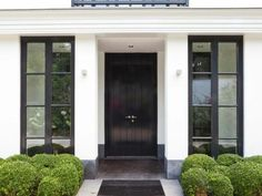 New modern front door design black windows ideas Black Front Doors, Modern Front Door, Black Windows, Front Door Design, Modern Entry, Front Entry, Front Porch, The Doors, Entrance Doors