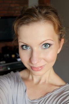 brown make-up with polish cosmetics