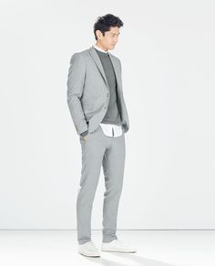 Discover the new ZARA collection online. The latest trends for Woman, Man, Kids and next season's ad campaigns. Suit Fashion, Mens Fashion, Style Masculin, Lifestyle Trends, Men Design, Zara Man, Blazers For Men, Mens Suits, Gray