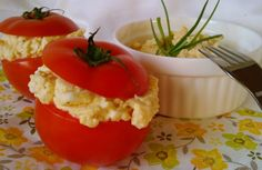 Töltött paradicsom diétás tojáskrémmel Food And Drink, Easter, Stuffed Peppers, Dinner, Vegetables, Healthy, Diets, Recipies, Dining
