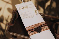 """Einladungskarte aus unserer Serie """"Floral"""" mit passender Einsteckhülle."""