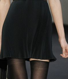 Pleated Skirt - could be a little longer, but I like the tiny pleats Urban Apparel, Textiles, Urban Outfits, Look Cool, Fashion Details, Party Dress, Girls Dresses, Vogue, Feminine