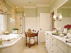 Traditional and pretty bathroom