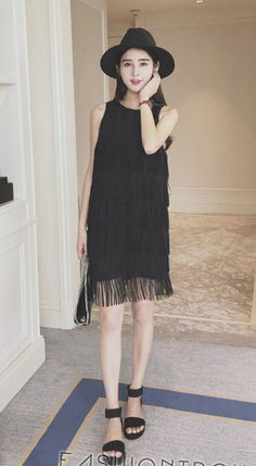Hipster & indie sleeveless crew neck black white fringe chiffon mini dress
