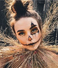 Scarecrow Halloween Makeup, Duo Halloween Costumes, Halloween Party Themes, Halloween Makeup Looks, Halloween Make Up, Crow Costume, Halloween Baking, Costume Ideas, Looks Kylie Jenner