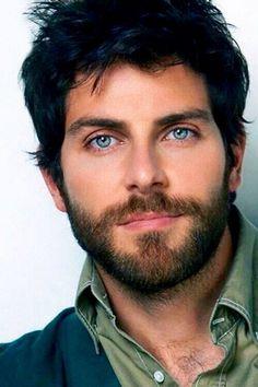 David Giuntoli - Those eyes! That facial hair! Get your man's skin… David Giuntoli, Beautiful Eyes, Gorgeous Men, Hommes Sexy, Handsome Faces, Men Handsome, Hair And Beard Styles, Attractive Men, Facial Hair