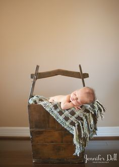 {Don't Be Hanging Babies From Trees :: A Newborn Photography Safety Lesson from Jennifer Dell} Hee hee. Love it.