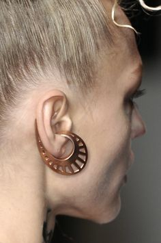Jean Paul Gaultier, Spring 2010 RTW, earring