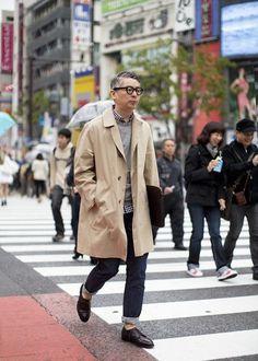 木下孝浩に学ぶ!黒縁伊達メガネをかけるだけで憧れの男性になる!時下流行りのストリートコーデを紹介!