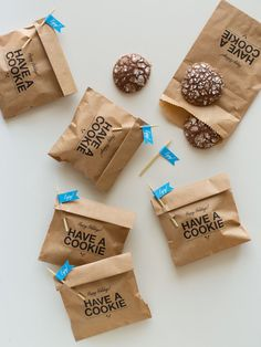 Brown bags crafts - Let's Make Some Cookie Gifts! Cookie Favors, Cookie Gifts, Food Gifts, Diy Gifts, Handmade Gifts, Party Gifts, Bakery Packaging, Gift Packaging, Packaging Design