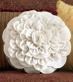 Make a chrysanthemum pillow - (free tutorial to download)