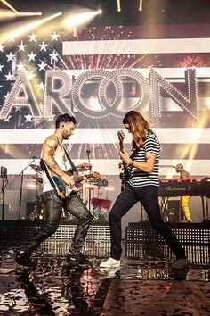 James Valentine & Adam Levine! ❤ I would not mind getting in the middle of that!
