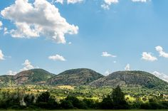 Background information and travel tips on visiting Vredefort Dome, one of the UNESCO World Heritage Sites in South Africa. Travel Around The World, Around The Worlds, Hiking Routes, Africa Travel, World Heritage Sites, Trip Planning, Places To See, South Africa, National Parks