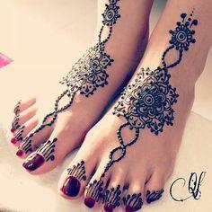 Henna feet
