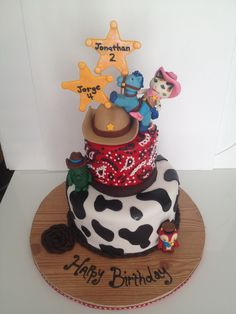 Jonathan and Jorge's sheriff Callie cake
