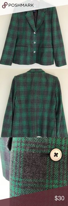 Gap Plaid Blazer - Green/Gray Small Gap Wool/Poly blend fitted blazer Small No visible signs of wear The gray hue is accurately shown in the detail picture GAP Jackets & Coats Blazers