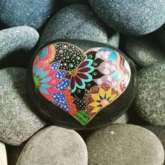 Pin by terri petersen art on artsy rock art точечная живопис Dot Art Painting, Heart Painting, Rock Painting Designs, Pebble Painting, Pebble Art, Paint Designs, Stone Painting, Stone Crafts, Rock Crafts