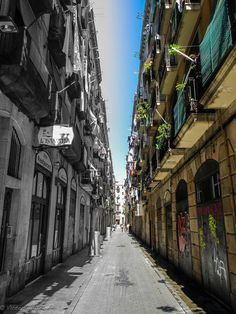 Want to find one-of-a-kind shops and restaurants in Barcelona? The Raval has it all... https://www.facebook.com/photo.php?fbid=636757339671840=a.392878497393060.111359.382262905121286=1=1