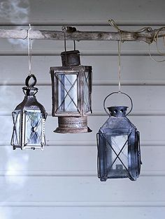 vintage lanterns in the garden Old Lanterns, Vintage Lanterns, Outside Living, Outdoor Living, Lantern Candle Holders, Shabby, Diy Interior, Western Decor, Cozy House