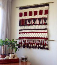 Tapices, telares y cojines elaborados con lanas naturales del sur de Chile…