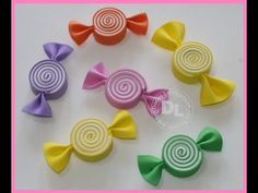 Risultati immagini per imagem lembrancinhas e. Foam Crafts, Diy And Crafts, Crafts For Kids, Paper Crafts, Making Hair Bows, Diy Hair Bows, Ribbon Hair Clips, Candy Christmas Decorations, Christmas Crafts