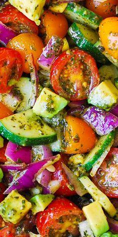 Cucumber Avocado Salad, Avocado Salat, Avocado Toast, Pesto Salad, Avocado Pesto, Tomato Basil Salad, Crab Salad, Healthy Salad Recipes, Vegetarian Recipes