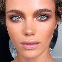 Related posts:Gold eye makeup and accessories - piercingBeauty smokey eye tutorialNaked 2 palette make-up inspiration Makeup Goals, Makeup Inspo, Makeup Inspiration, Makeup Ideas, Makeup Geek, 80s Makeup, Witch Makeup, Makeup Salon, Makeup Studio