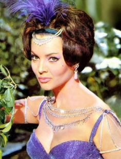 Old Hollywood Glamour, Hollywood Actor, Classic Hollywood, Divas, Isnt She Lovely, Woman Movie, Classic Movie Stars, Female Stars, Sophia Loren