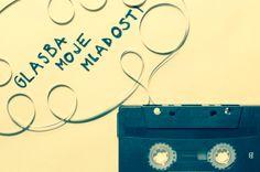 Je še kdo, poleg mene, ob radiu čakal, da se zavrti najljubša glasba, da bo stisnil REC? :) #glasba 4. 3. 2014