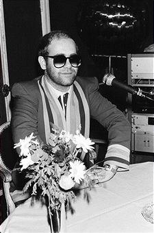 """Résultat de recherche d'images pour """"elton john 1976 france"""""""