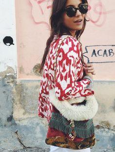 Lizzy van der Ligt wearing wild prints with a side satchel in Ibiza | Fashiolista.com