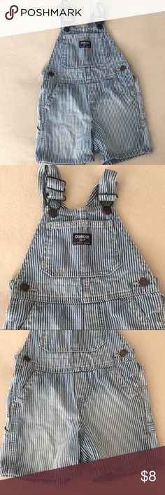 Osh Kosh Blue White Striped Short Overall Size 18M Oshkosh shirt overalls - blue & blue striped 100% cotton with ombré fading on legs - shoulder buckle fasteners - side and back pockets - side rivet buttons - beautiful clean condition - size 18 months Osh Kosh Bottoms Overalls